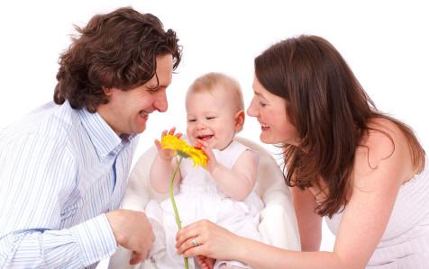 moneymagpie_happy-family-476x299